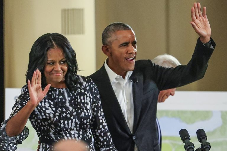 Πρεμιέρα με τον Μπάρακ Ομπάμα κάνει το podcast της Μισέλ Ομπάμα