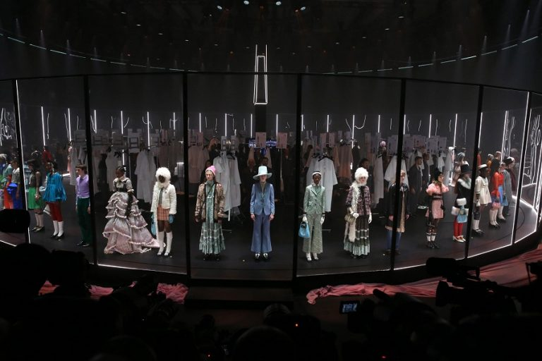 Gucci και Prada θα συμμετάσχουν στην ψηφιακή Εβδομάδα Μόδας του Μιλάνο στα μέσα Ιουλίου