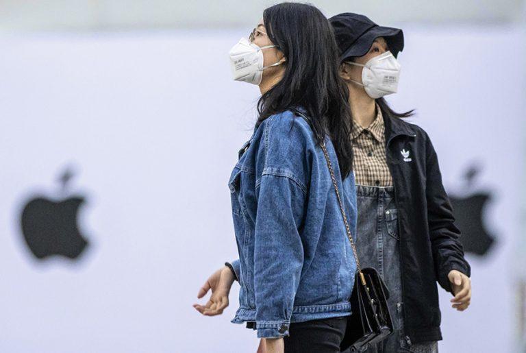 Νέα έρευνα δείχνει πώς οι μάσκες προσώπου μπορούν να σταματήσουν το δεύτερο και τρίτο κύμα κορωνοϊού