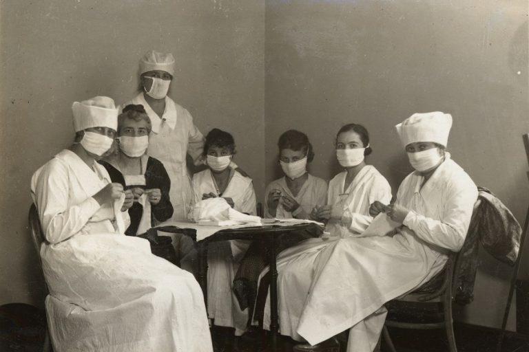 Ισπανική γρίπη: Τι μορφή είχε ο «πόλεμος» της μάσκας το 1918