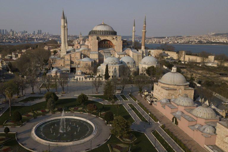 Αντίστροφη μέτρηση για την μετατροπή της Αγίας Σοφίας σε τζαμί