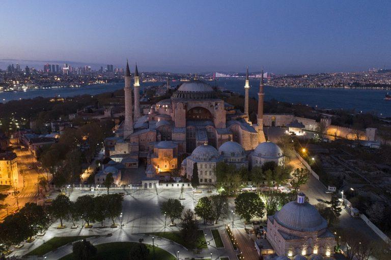 Τουρκικός Τύπος: «Έληξε η νοσταλγία για την Αγία Σοφία»