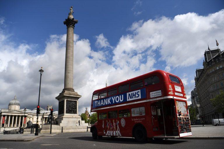 Μια ανάσα πριν το lockdown το Λονδίνο- Σε ισχύ νέα αυστηρότερα μέτρα από το Σάββατο
