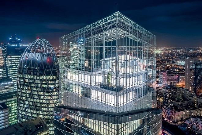 Παρουσιάστηκε ο εντυπωσιακός «γυάλινος» πύργος «Tour Saint-Gobain» στο Παρίσι
