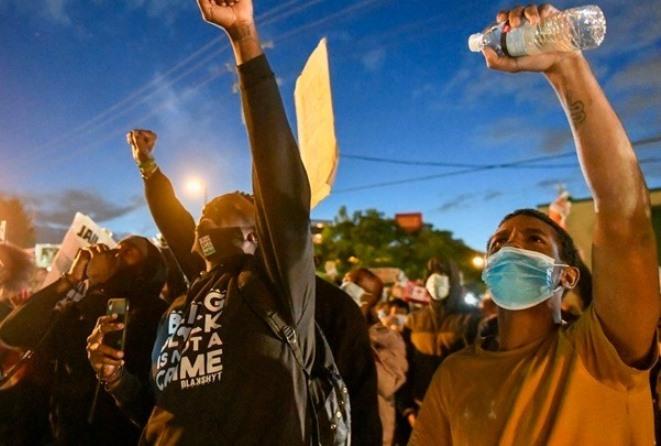 Oργή στις ΗΠΑ για τον θάνατο του Τζορτζ Φλόιντ: Δεύτερος νεκρός στο Οκλαντ μετά τον θάνατο 19χρονου στο Ντιτρόιτ