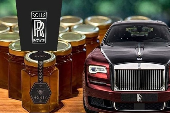 Μέλι και όχι αυτοκίνητα παράγει προς το παρόν η Rolls-Royce