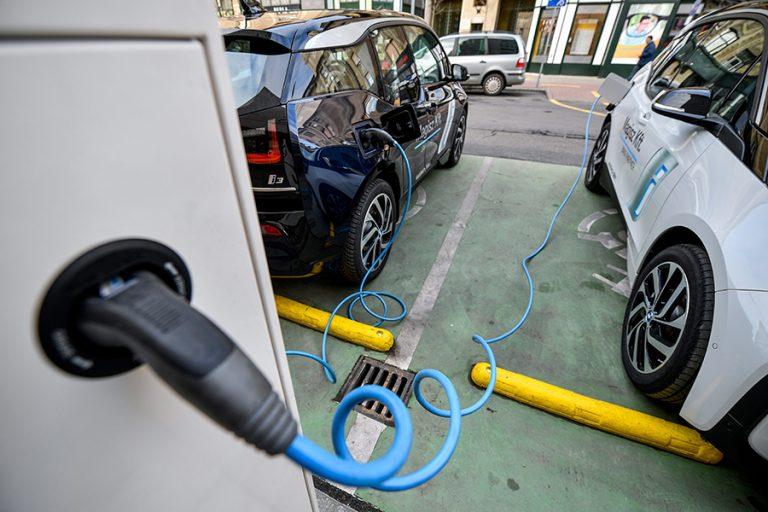 Περιβαλλοντικό τέλος για τα εισαγόμενα Ι.Χ.- Το νομοσχέδιο για την ηλεκτροκίνηση