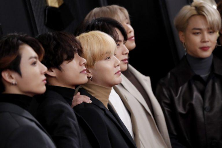 Το μουσικό συγκρότημα BTS δώρισε ένα εκατομμύρια δολάρια στο κίνημα Black Lives Matter
