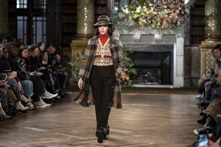 Η Εβδομάδα Μόδας του Λονδίνου διοργανώθηκε για πρώτη φορά σε 100% ψηφιακή μορφή