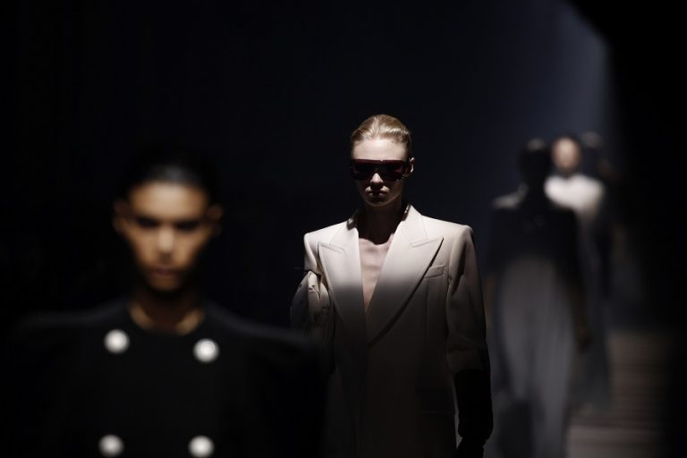 Ο ιστορικός οίκος Givenchy μπαίνει σε νέα εποχή