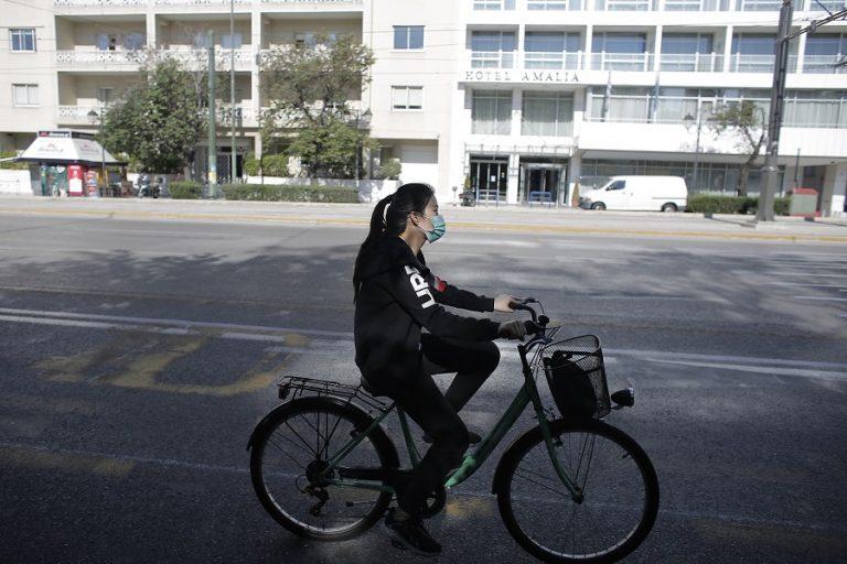 Ανησυχούν πλέον οι Έλληνες για την επιδημία; Πώς αξιολογούν τα μέτρα; Νέα έρευνα δίνει τις απαντήσεις