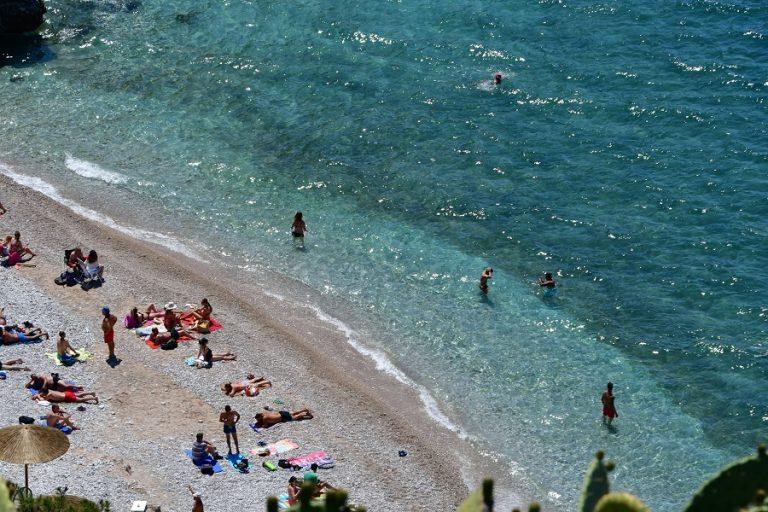 ΕΟΤ: Συμφωνίες με αεροπορικές εταιρείες και tour operators για την ενίσχυση του τουρισμού