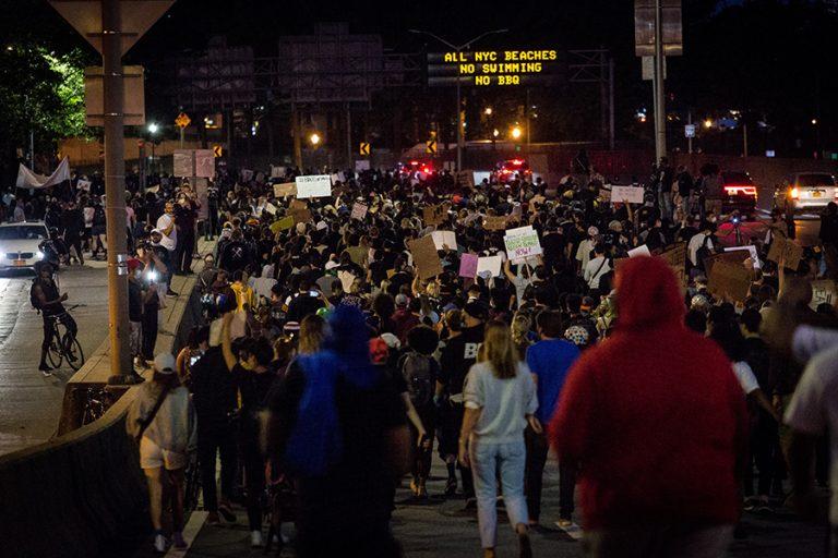 Διάσημοι παίκτες του NBA κατέβηκαν στις διαδηλώσεις για το θάνατο του Τζορτζ Φλόιντ