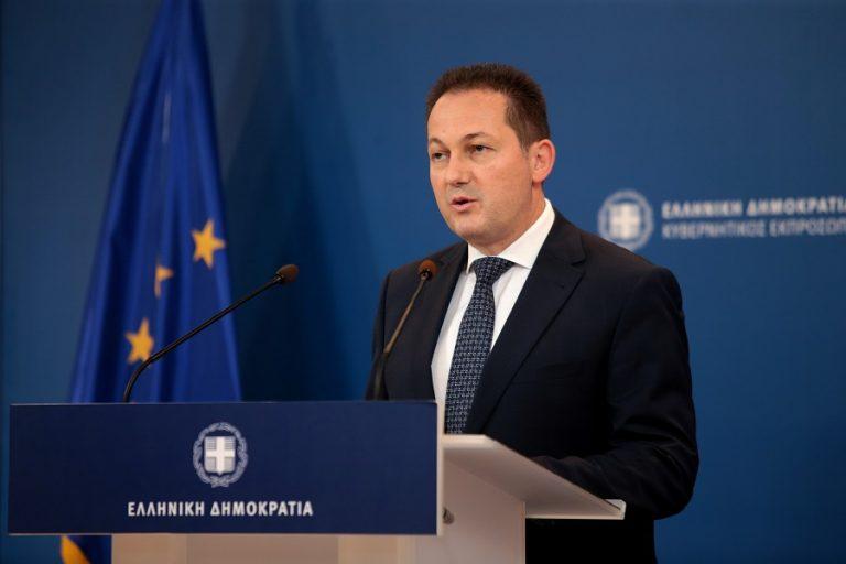 Πέτσας για υπόθεση Novartis: Η κυβέρνηση θα διερευνήσει τη δυνατότητα αποζημίωσης του ελληνικού Δημοσίου