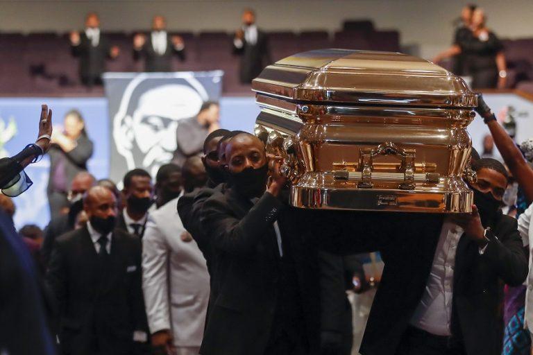Μετ' εμποδίων ξεκίνησε η δίκη για τη δολοφονία του Τζορτζ Φλόιντ – Για ποιο λόγο διακόπηκε
