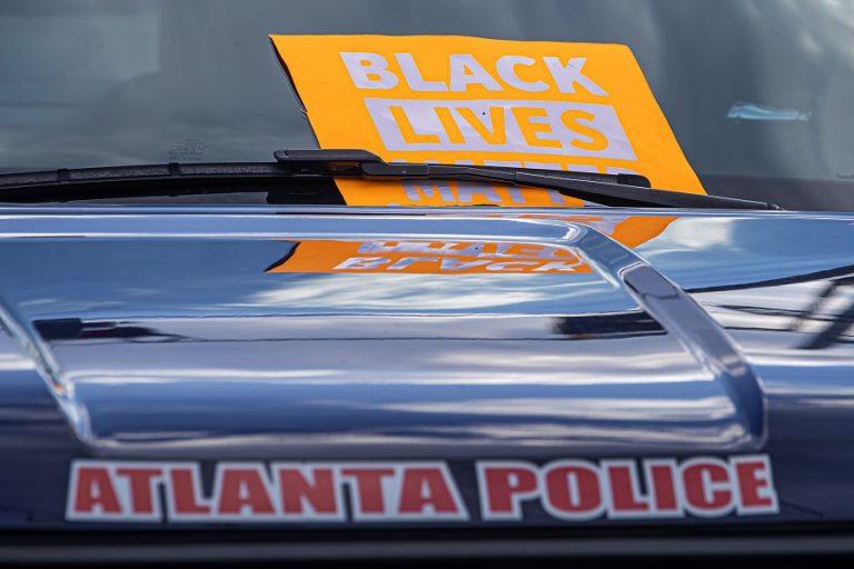 ΗΠΑ – Ατλάντα: Νύχτα οργής από τη δολοφονία Αφροαμερικανού από αστυνομικούς (Βίντεο)