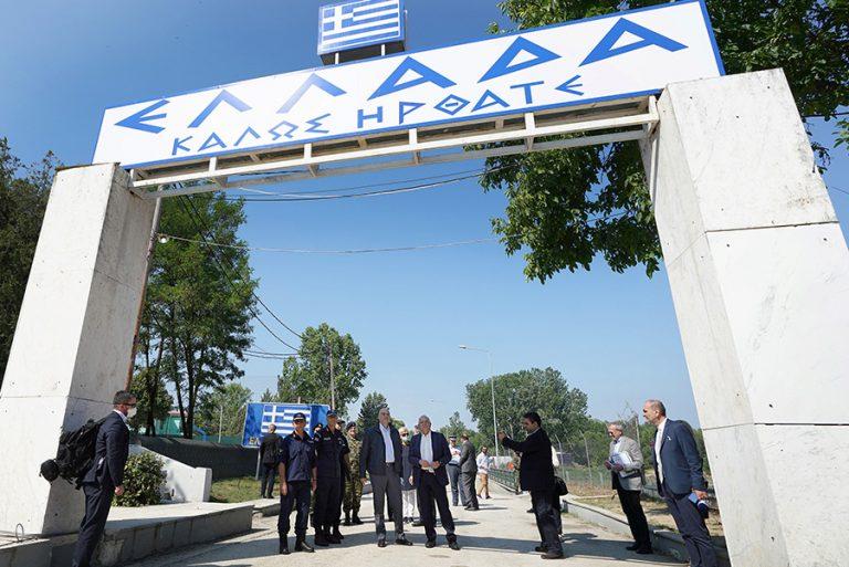 Ισχυρό μήνυμα Δένδια – Μπορέλ από τις Καστανιές Έβρου: Τα ελληνικά σύνορα είναι και ευρωπαϊκά