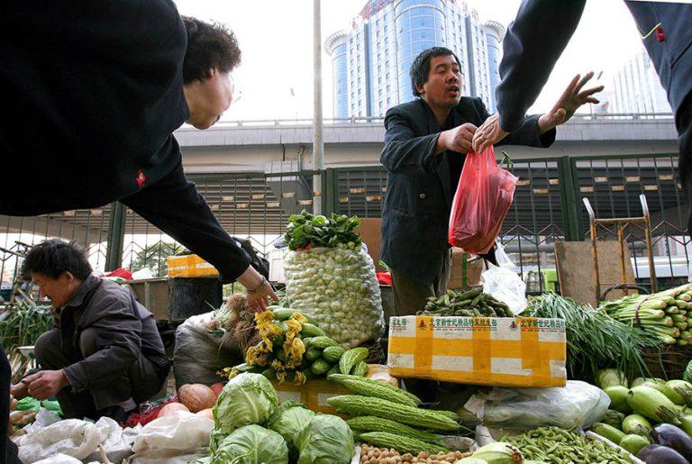 Ίχνη κορωνοϊού βρέθηκαν στην αγορά τροφίμων του Πεκίνου
