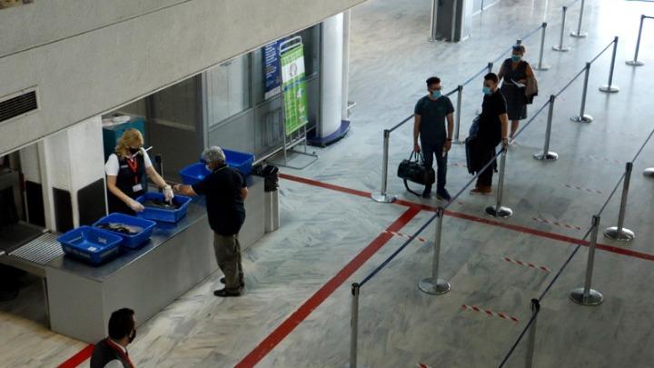 «Απολαύστε τη Διαμονή σας – Μείνετε Ασφαλείς»: Οι οδηγίες της ΓΓΠΠ προς τους τουρίστες που έρχονται στην Ελλάδα