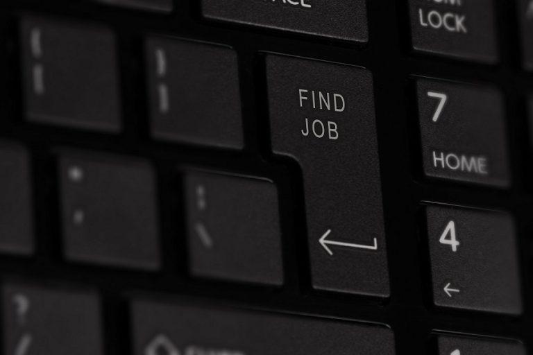 Handelsblatt: Μαζική ανεργία απειλεί την Ελλάδα