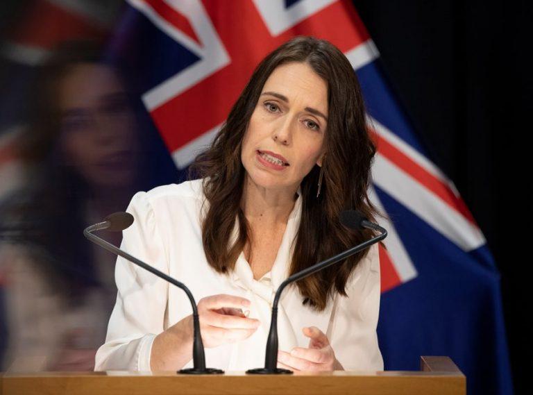 H Nέα Ζηλανδία έχει εξαλείψει τον κορωνoϊό και επιστρέφει στην κανονική ζωή