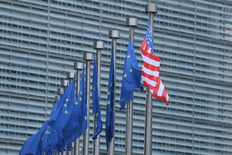 Η Ευρώπη απαιτεί από τις ΗΠΑ να ακυρώσουν αμέσως την «τιμωρητική» επιβολή δασμών 7,5 δισ. δολαρίων
