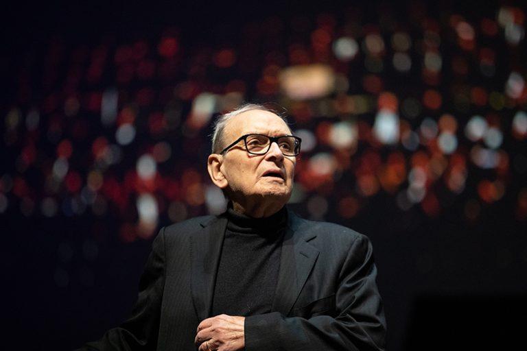 Ένιο Μορικόνε: Η ζωή του θρύλου της κινηματογραφικής μουσικής με το ιταλικό ταπεραμέντο