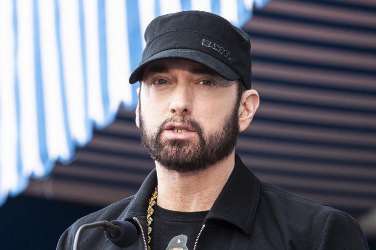 Ο Eminem βρήκε τον δικό του τρόπο να επικρίνει όσους δεν φορούν μάσκα (Βίντεο)