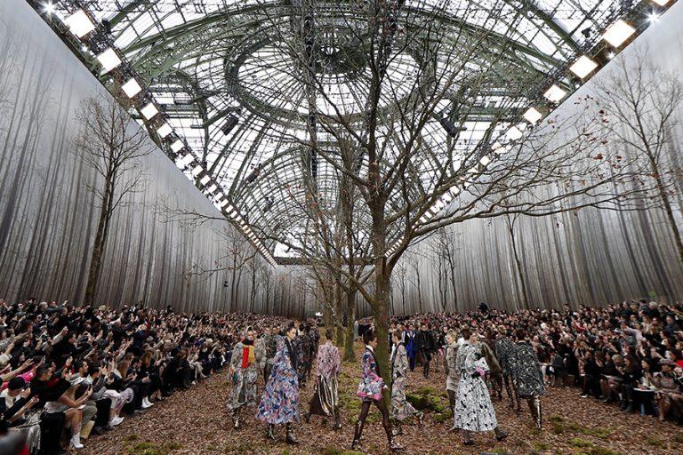 Ο οίκος Chanel παρουσιάζει διαδικτυακά τη νέα συλλογή υψηλής ραπτικής του