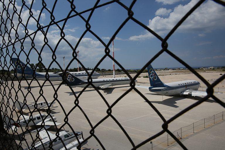 Τουλάχιστον 11 κρούσματα κορωνοϊού από το μπαράζ ελέγχων στα αεροδρόμια