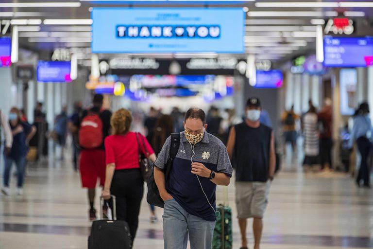 ΗΠΑ: Αίρεται η ταξιδιωτική οδηγία που αφορούσε όλον τον πλανήτη – Ανά χώρα πλέον η αξιολόγηση
