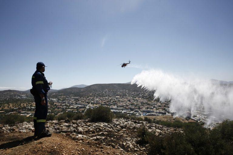 Προειδοποίηση για πολύ υψηλό κίνδυνο πυρκαγιάς σε 8 περιοχές τη Δευτέρα