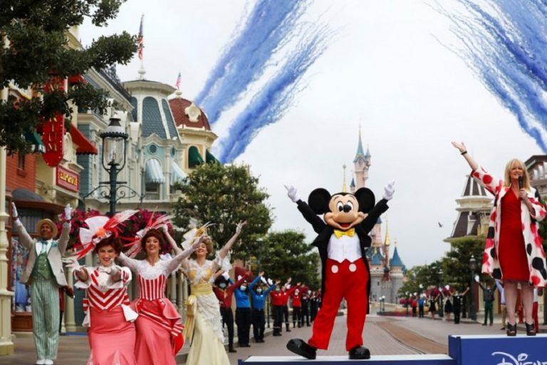 Η Disneyland στην Καλιφόρνια μετατρέπεται σε κέντρο εμβολιασμών κορωνοϊού