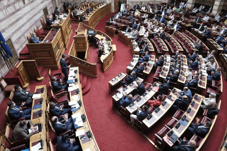 «Μονομαχία» πολιτικών αρχηγών στη βουλή για τον νέο Πτωχευτικό Κώδικα