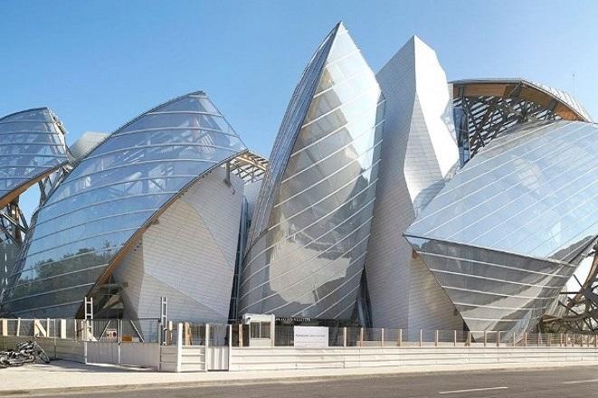Έκθεση του Fondation Louis Vuitton στο Παρίσι αφιερωμένη στη Σίντι Σέρμαν