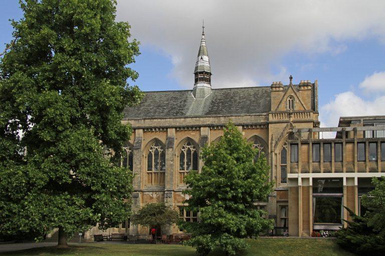 Δοκιμάζεται η δυνατότητα επιβίωσης 13 βρετανικών πανεπιστημίων λόγω κορωνοϊού
