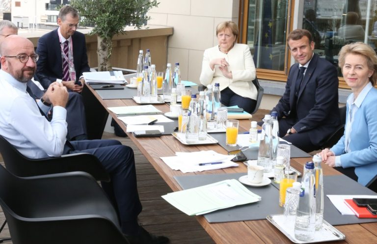 Σύνοδος Κορυφής: Ολονύχτιο θρίλερ στις Βρυξέλλες για το Ταμείο Ανάκαμψης