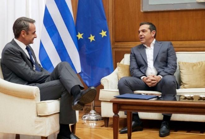 Νέο σποτ του ΣΥΡΙΖΑ για τον κορωνοϊό – Για «παπατζιλίκι» Τσίπρα κάνει λόγο η ΝΔ