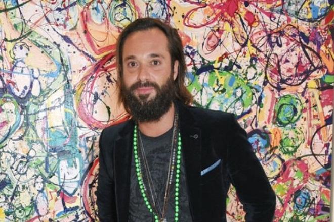 Καλλιτέχνης στο Ντουμπάι προσπαθεί να δημιουργήσει το μεγαλύτερο έργο τέχνης για καλό σκοπό