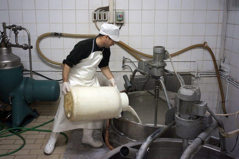 Εξαιρούνται τα ελληνικά τυριά από τους αμερικανικούς εμπορικούς δασμούς