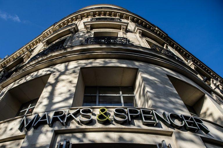 «Θύμα» της πανδημίας τα Marks and Spencer: Καταργούν 7.000 θέσεις εργασίας