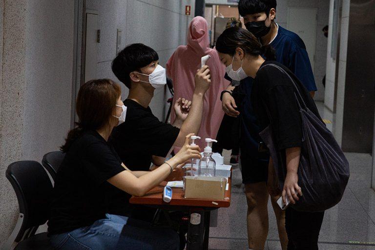 Νότια Κορέα: Ξεκινούν δοκιμές σε ανθρώπους του πειραματικού φαρμάκου για τον κορωνοϊό
