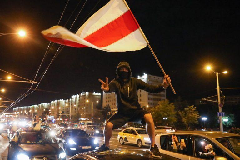 Ανυποχώρητος ο Λουκασένκο για νέες εκλογές- Μήνυμα της ΕΕ υπέρ των διαδηλωτών