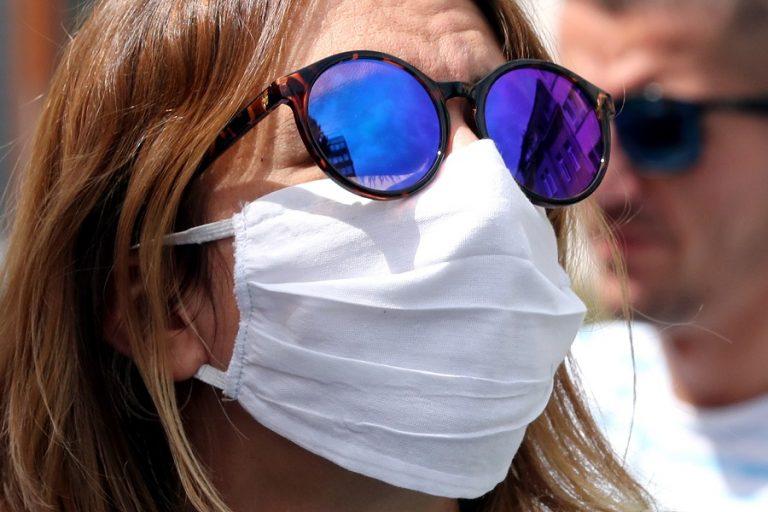 Covid-19: Επιταχύνθηκε ο ρυθμός μολύνσεων αυτήν την εβδομάδα παγκοσμίως, ιδίως στην Ευρώπη