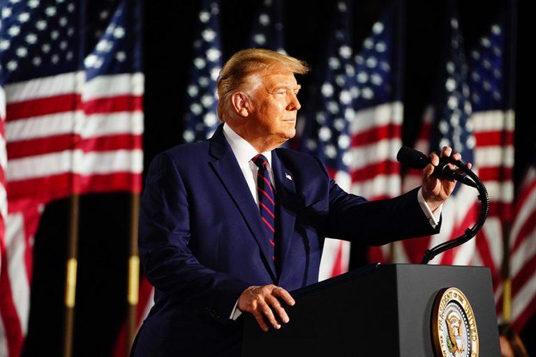 Σκληρή επίθεση Τραμπ σε Μπάιντεν: Δεν τον ενδιαφέρει τίποτα παρά μόνο ο ύπνος