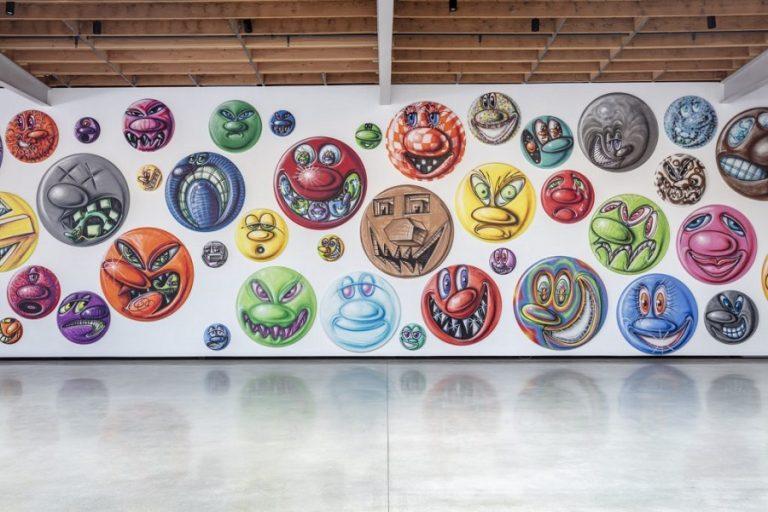 Τα πρωτότυπα emoji του Κένι Σαρφ σε έκθεση ζωγραφικής στο Λος Άντζελες