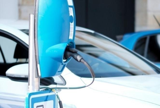 Τα δέκα βήματα για την αίτηση επιδότησης αγοράς ηλεκτρικού οχήματος