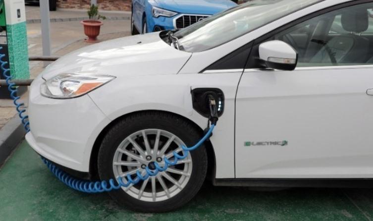 Πρεμιέρα τη Δευτέρα για την ηλεκτροκίνηση – Πώς υποβάλλονται οι αιτήσεις, όλες οι λεπτομέρειες