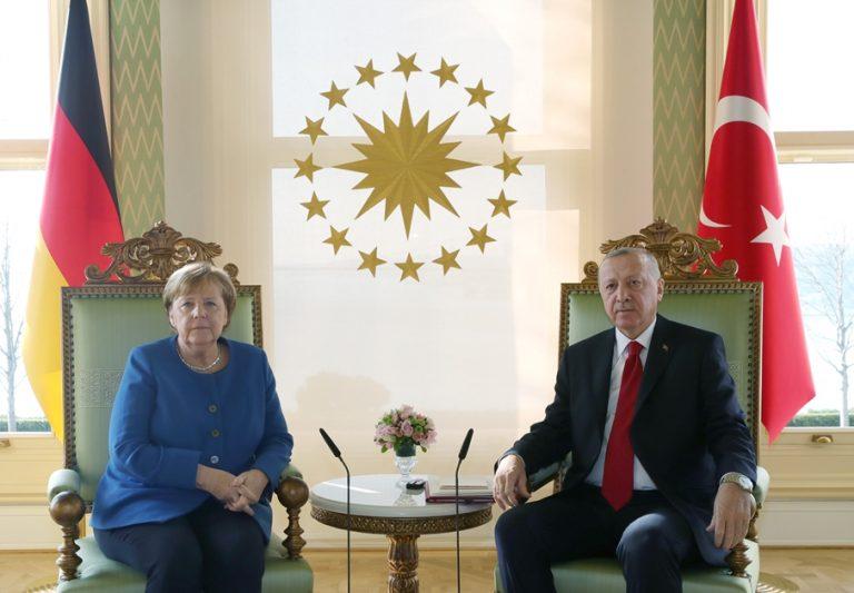 Το Βερολίνο δεν παίρνει δημόσια θέση για τις κυρώσεις κατά της Τουρκίας