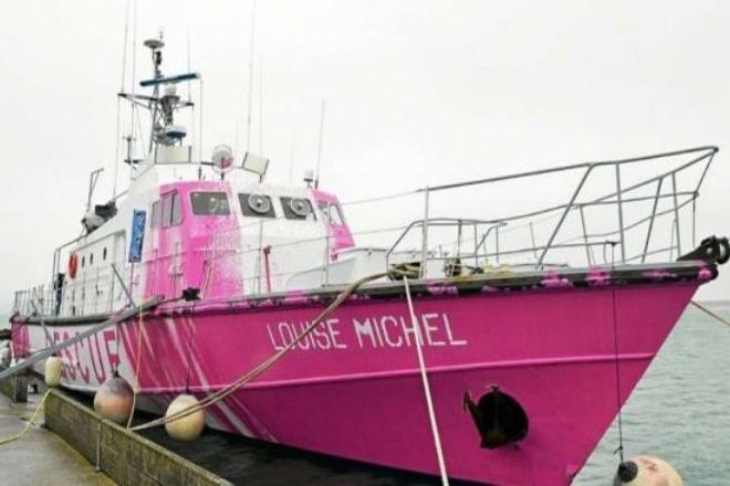 Ο Μπάνκσι ναύλωσε πλοίο για τη διάσωση μεταναστών στη Μεσόγειο